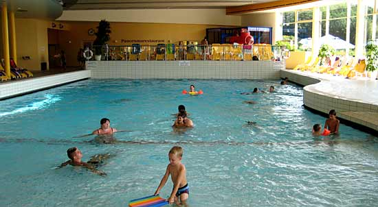 Wellenbecken der Therme in Stegersbach
